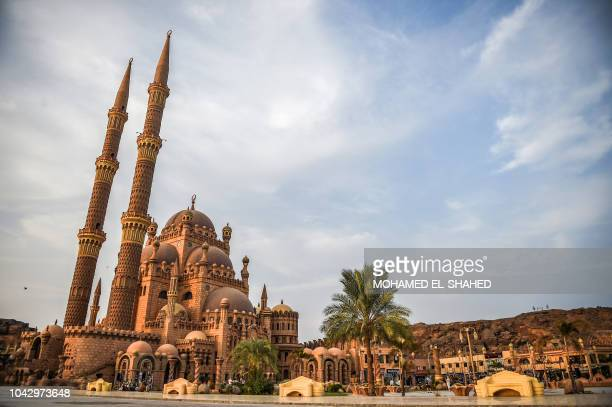 This picture taken on September 29 2018 shows a view of the recentlyconstructed AlSahaba mosque in the Egyptian Red Sea resort city of Sharm ElSheikh...