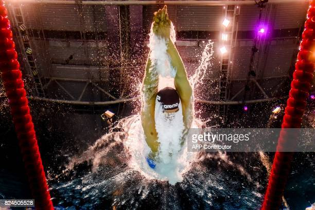 This picture taken with an underwater camera shows Italy's Gabriele Detti competing in the final of the men's 1500m freestyle during the swimming...