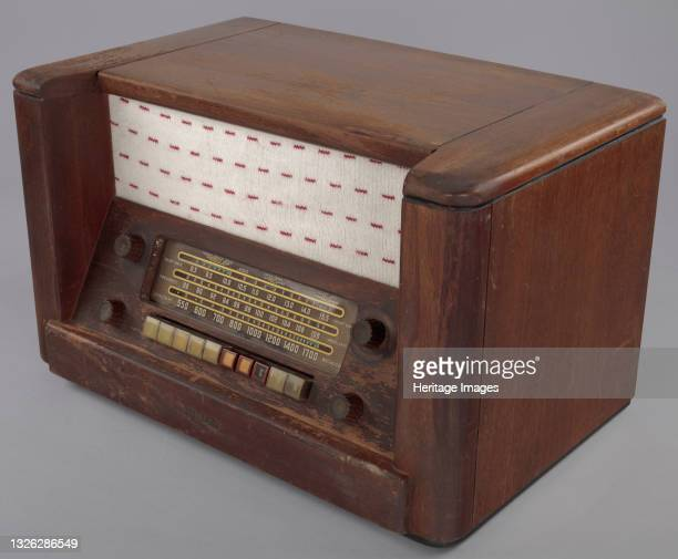 This radio belonged to Herman and Minnie Roundtree. Minnie Jones Roundtree loved to play baseball with the boys when she was growing up. Herman...