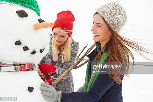 Dies sollte den Schneemann schön und warm