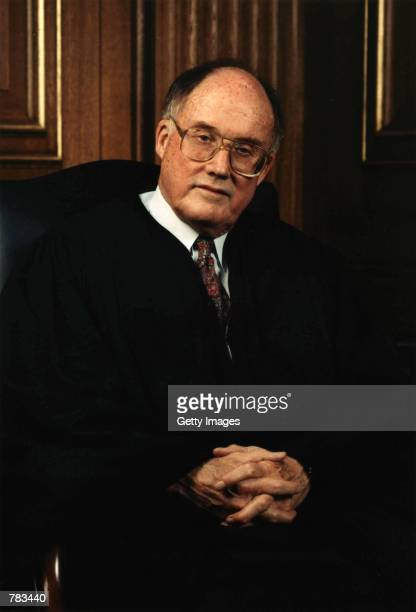 chief justices earl warren and william rehnquist This list provides specifics about the oaths of the chief justices chief justice earl warren with president richard m nixon present william h rehnquist.
