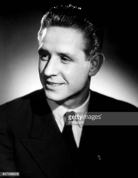 This undated photo shows French football player Raymond Kopa in Paris. Picture taken at the studio Harcourt. / AFP PHOTO / STRINGER