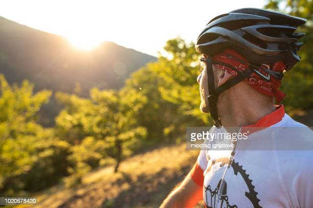 this view is amazing - cross country cycling stock pictures, royalty-free photos & images