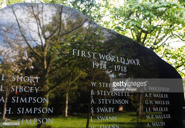 This war memorial is in a cemetery in Newark, Nottinghamshire, UK. This cemetery is a Commonwealth War Graves site. This memorial shows the names of...