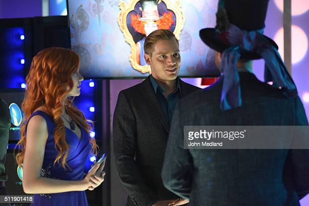 HUNTERS This World Inverted Clary finds herself is a strange reality in This World Inverted an allnew episode of Shadowhunters airing TUESDAY MARCH...