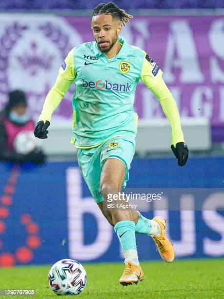Théo Bongonda of KRC Genk during the Pro League match between RSC Anderlecht and KRC Genk at Lotto Park on december 11, 2020 in Brussels, Belgium