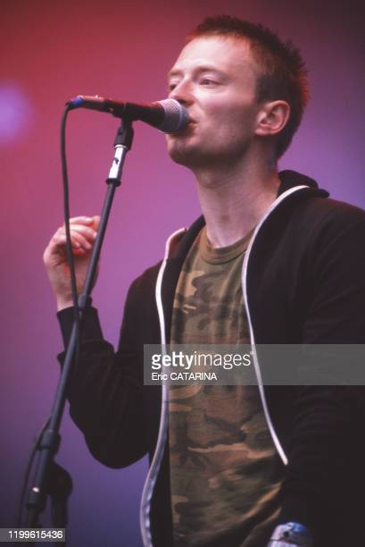 Thom Yorke, chanteur du groupe Radiohead en concert lors du festival des Eurockéennes de Belfort en juillet 1997, France.