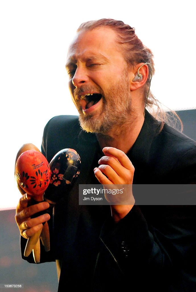 Radiohead Perform At The 02 Arena : News Photo