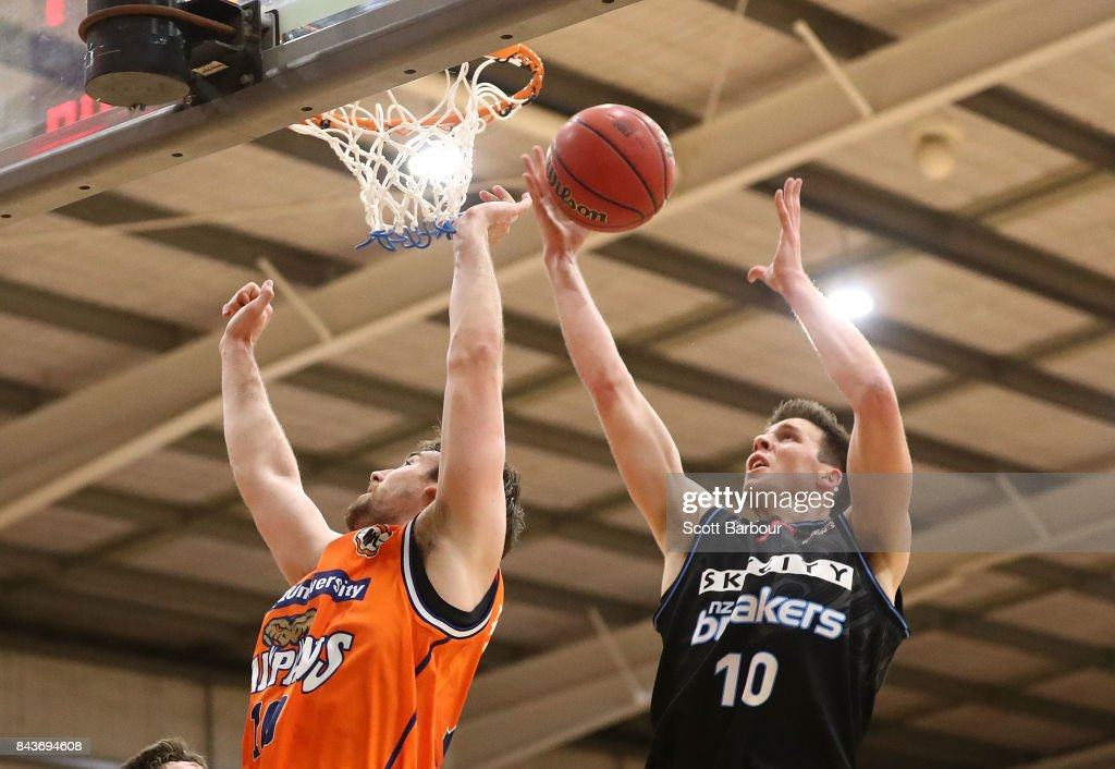 Thomas Abercrombie of the Breakers controls the ball during the 2017 NBL Blitz pre-season match between Cairns Taipans and the New Zealand Breakers at Traralgon Basketball Centre on September 7, 2017 in Traralgon, Australia.