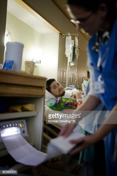 ACCESS*** Thomas Beatie in labor with wife Nancy Beatie at the Cascade Healthcare Community Hospital on June 29 2008 in Bend Oregon