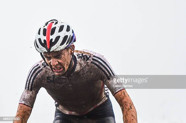 Thomas Craig of Great Britain competes in the Men Junior Cross-Country Olympic race during day 3 of the UCI Mountain Bike & Trials World...