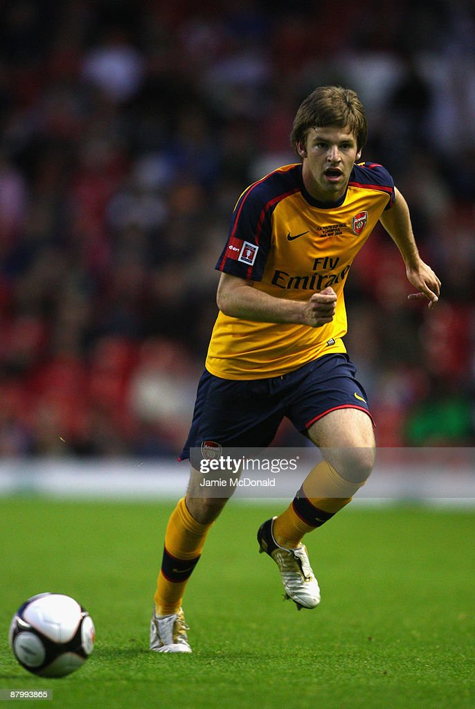 Thomas Cruise of Arsenal runs with the ball during the second leg of the FA Youth Cup final sponsored by E.ON, between Liverpool and Arsenal at Anfield on May 26, 2009 in Liverpool, England.