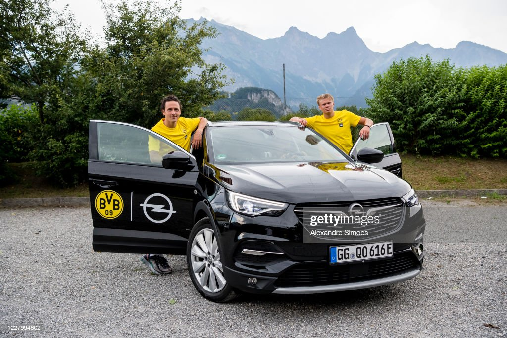 Thomas Delaney And Erling Haaland Of Borussia Dortmund During A News Photo Getty Images