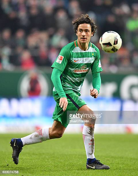 Thomas Delaney of Bremen in action during the Bundesliga match between Werder Bremen and Bayern Muenchen at Weserstadion on January 28 2017 in Bremen...