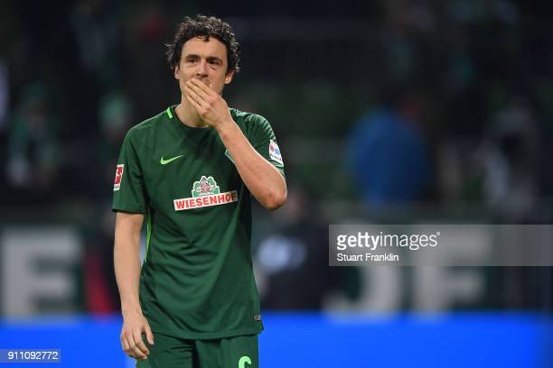 Thomas Delaney of Bremen looks dejected after the Bundesliga match between SV Werder Bremen and Hertha BSC at Weserstadion on January 27 2018 in...