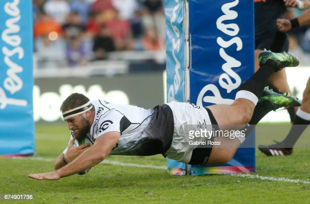 Thomas du Toit of Sharks scores a try during a match between Jaguares v Sharks as part of Super Rugby Rd 10 at Jose Amalfitani Stadium on April 29...