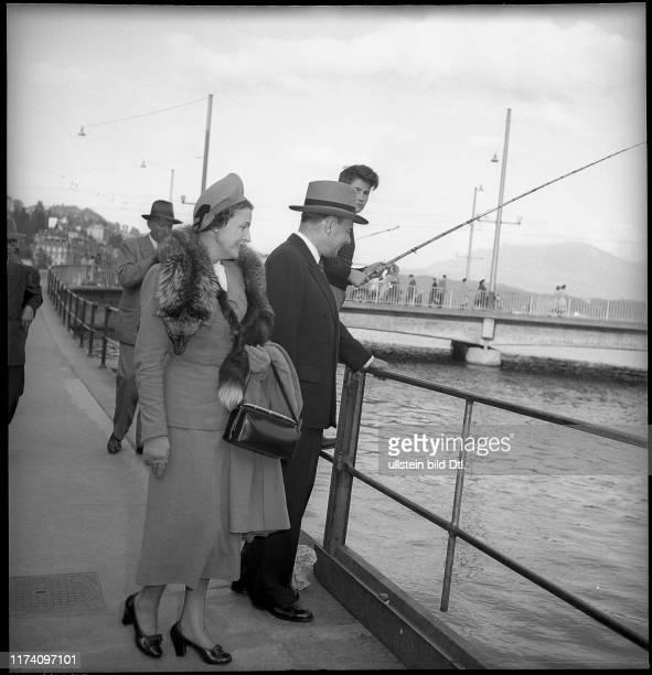 Thomas E. Dewey und seine Ehefrau in Luzern, 1949