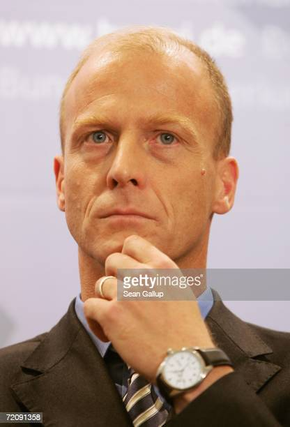 Thomas Enders cochief executive of EADS the parent company of passenger plane manufacturer Airbus attends a press conference after meeting with...