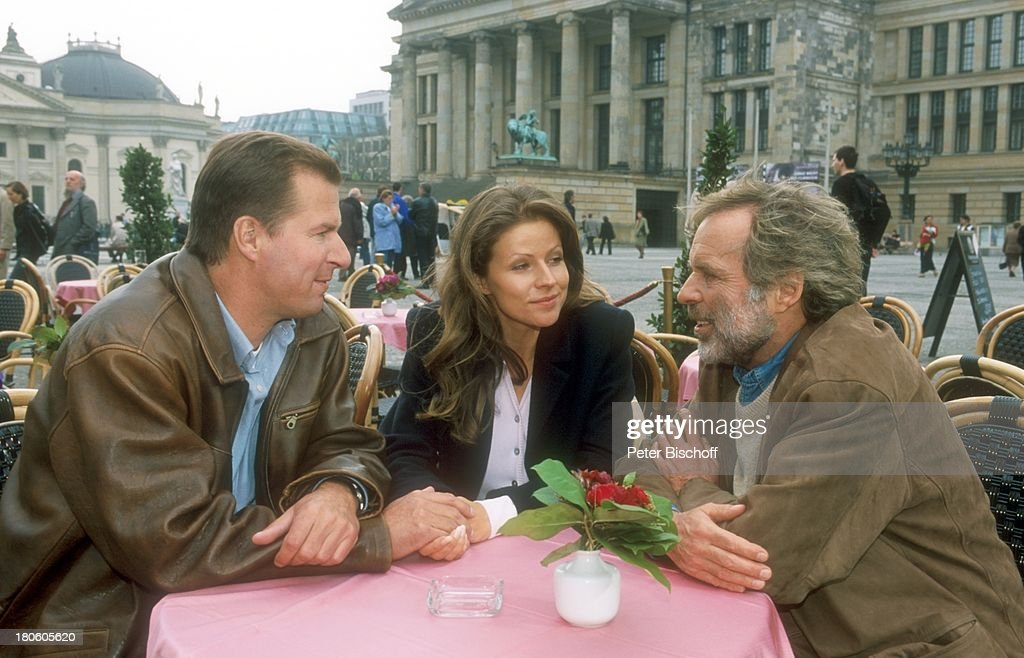 Thomas Fritsch, Leonore Capell, Ralf Lindermann (li.), ZDF-Serie : News Photo