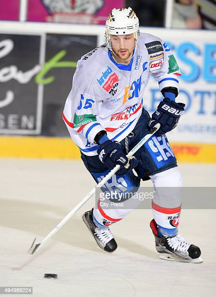 Thomas Goedtel of the Heilbronner Falken during the game between the Pinguins Bremerhaven and the Heilbronner Falken on october 30 2015 in...