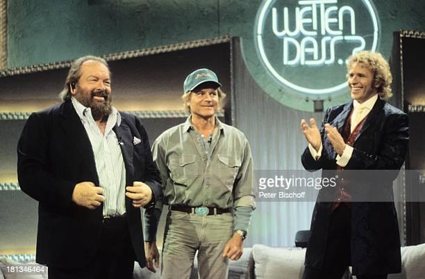 Thomas Gottschalk Bud Spencer Terence Hill ZDFShow 'Wetten dass ' Bremerhaven Deutschland in die Hände klatschen Applaus Sofa Couch Cappy...