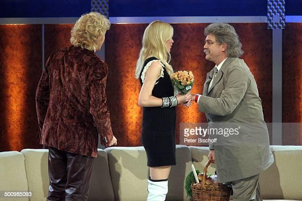 """Thomas Gottschalk, Claudia Schiffer, Hape Kerkeling als """"Horst Schlämmer"""" , 164. ZDF-Show """"Wetten, dass?"""", Düsseldorf, Deutschland, , P.-Nr...."""