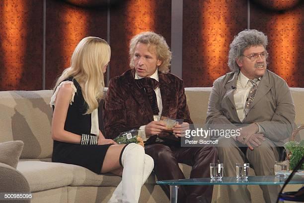 """Thomas Gottschalk , Claudia Schiffer, Hape Kerkeling als """"Horst Schlämmer"""", 164. ZDF-Show """"Wetten, dass?"""", Düsseldorf, Deutschland, , P.-Nr...."""