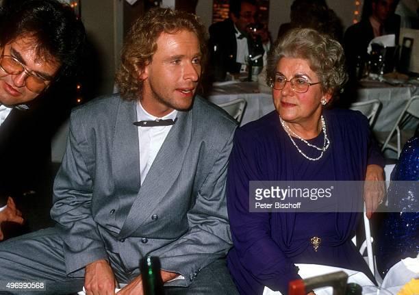 Thomas Gottschalk Mutter Rutila Gottschalk Verleihung Fernsehpreis Telestar 1987 am in Köln NordrheinWestfalen Deutschland