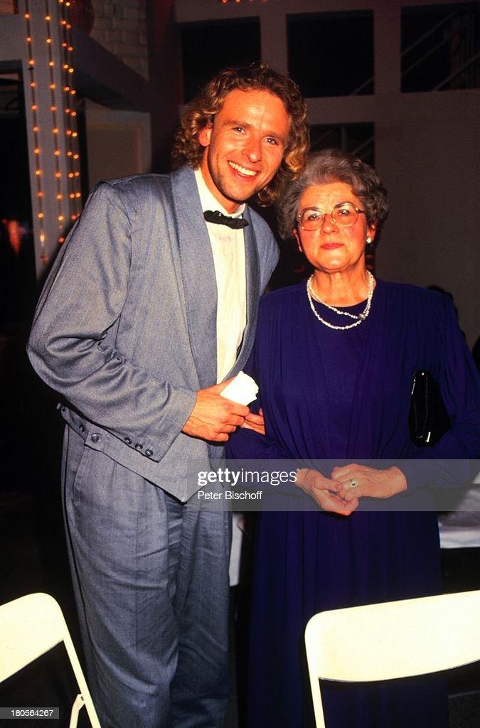 Thomas Gottschalk, Mutter Rutila,;Telestar-Verleihung, Berlin, D : News Photo