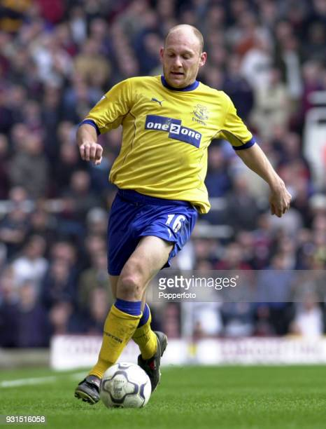 Thomas Gravesen of Everton in action during the FA Carling Premiership game between West Ham United and Everton at Upton Park in London on March 31...