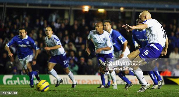 Thomas Gravesen of Everton scores from the penalty spot during the FA Barclays Premiership match between Birmingham City and Everton at St Andrews on...