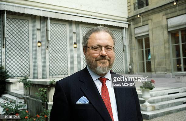 Thomas Harris writer in France in September 2000