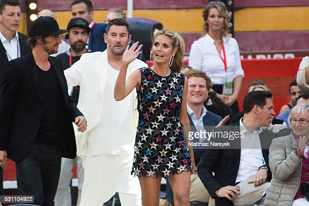 Thomas Hayo Heidi Klum and Michael Michalsky during the finals of 'Germany's Next Topmodel' at Coliseo Balear on May 12 2016 in Palma de Mallorca...