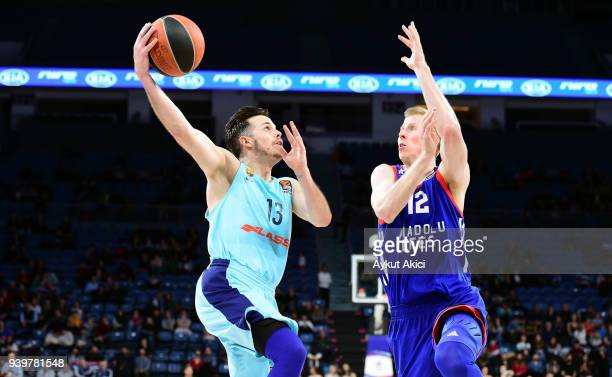 Thomas Heurtel, #13 of FC Barcelona Lassa competes with Brock Motum, #12 of Anadolu Efes Istanbul during the 2017/2018 Turkish Airlines EuroLeague...