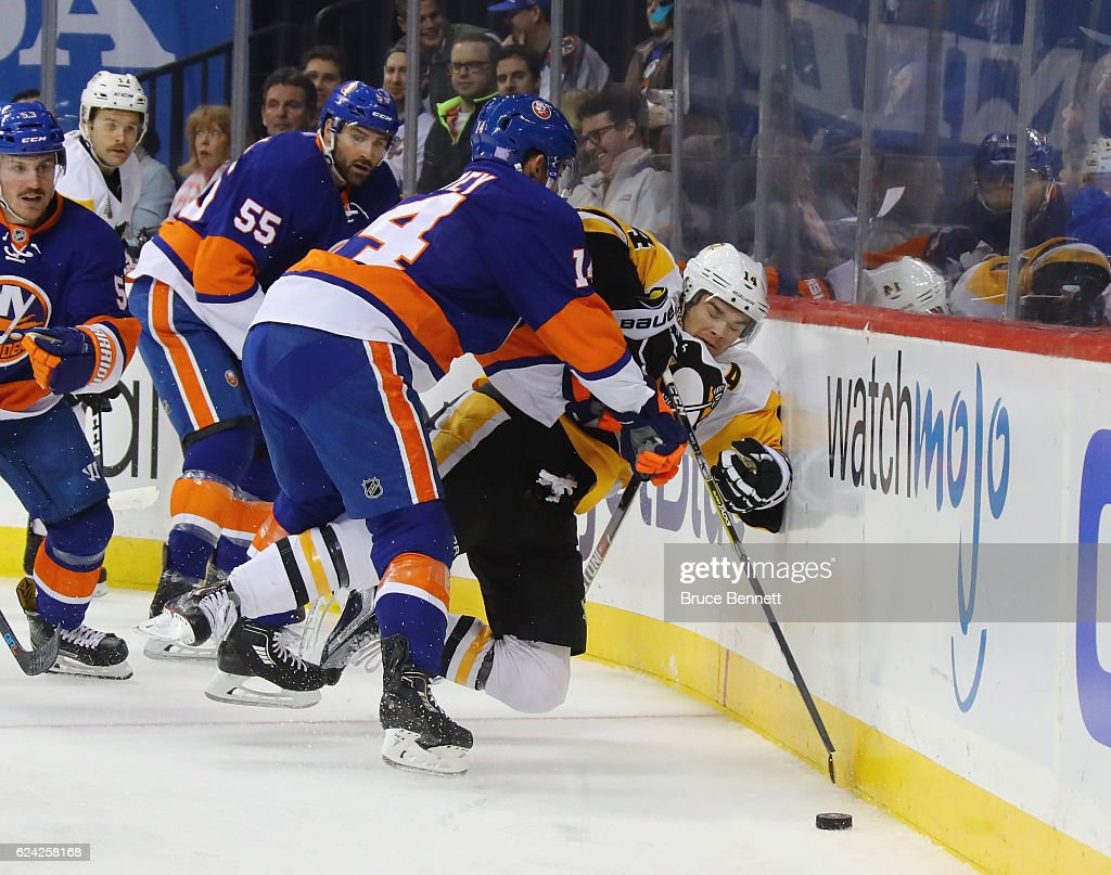 Pittsburgh Penguins v New York Islanders
