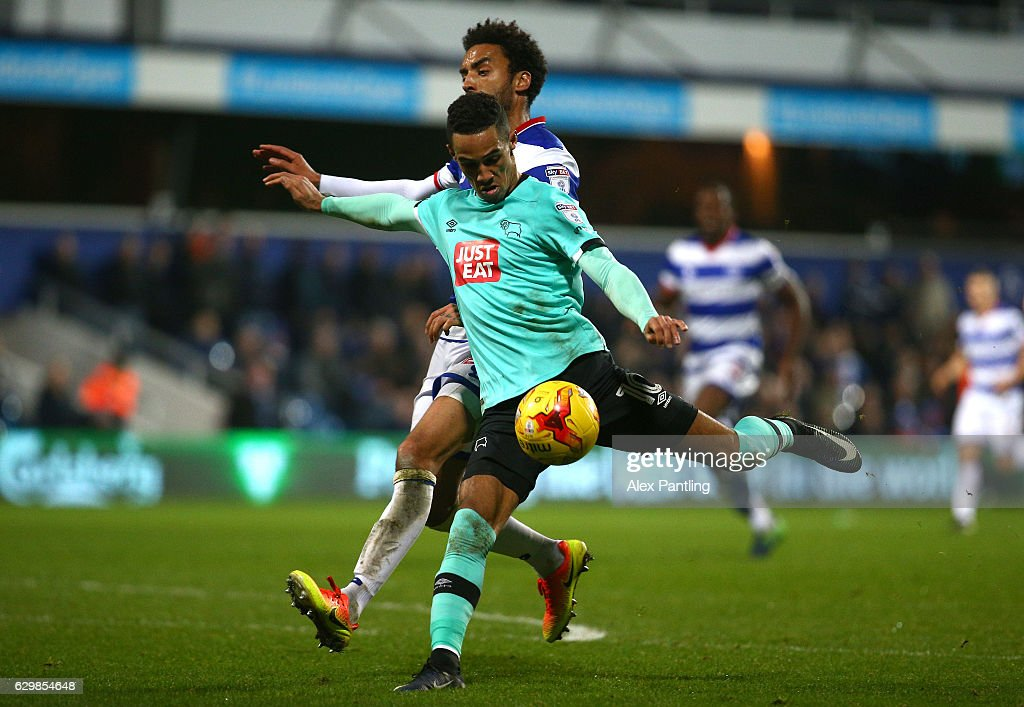 Thomas Ince of Derby County breaks through to have a shot on goal during the Sky Bet Championship match between Queens Park Rangers and Derby County at Loftus Road on December 14, 2016 in London, England.