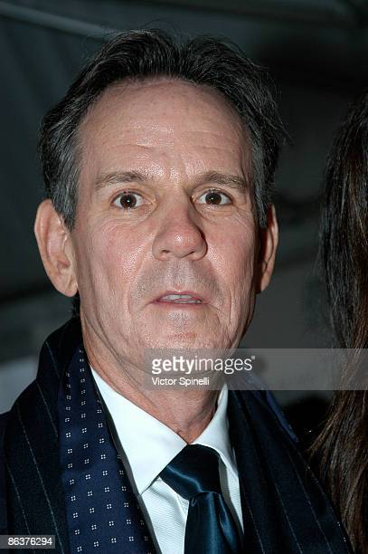 Thomas Keller attends the 2009 James Beard Foundation Awards Ceremony and Gala at Avery Fisher Hall at Lincoln Center for the Performing Arts on May...