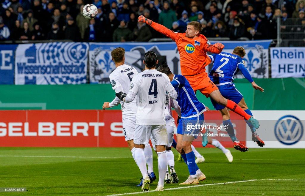 SV Darmstadt 98 v Hertha BSC - DFB Cup : Nachrichtenfoto