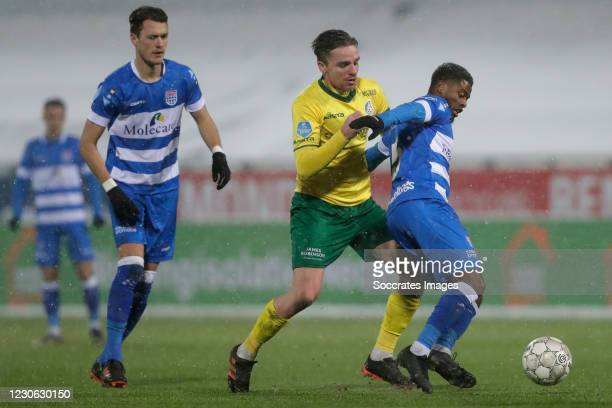 Thomas Lam of PEC Zwolle , Ben Rienstra of Fortuna Sittard , Kenneth Paal of PEC Zwolle during the Dutch Eredivisie match between PEC Zwolle v...