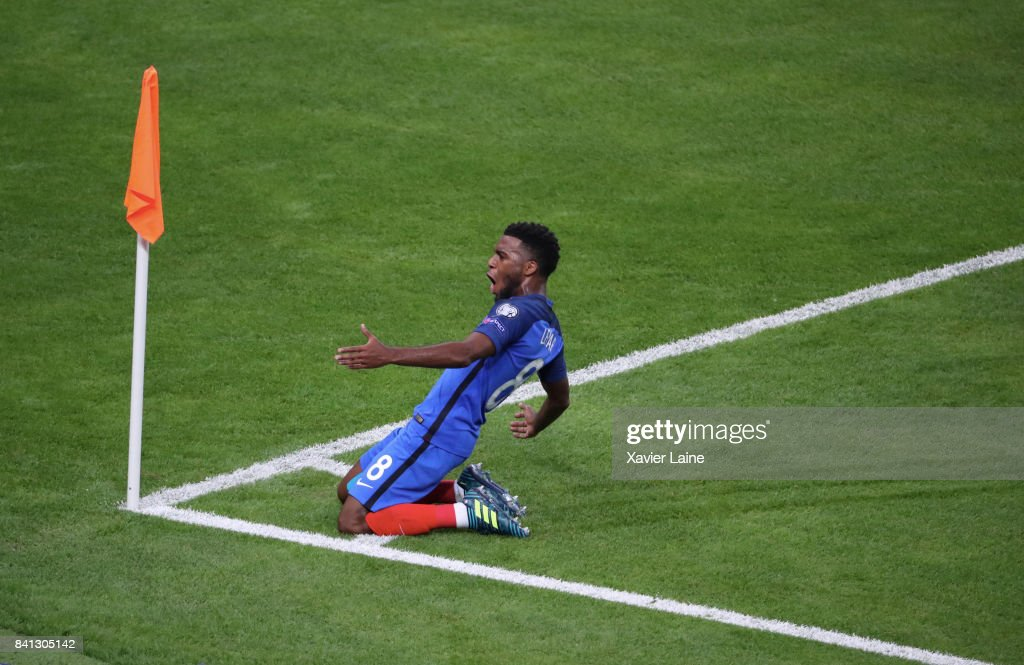 Thomas Lemar of France icelebrates his goal during the FIFA 2018 World Cup Qualifier between France and Netherlands at Stade de France on August 31, 2017 in Paris.