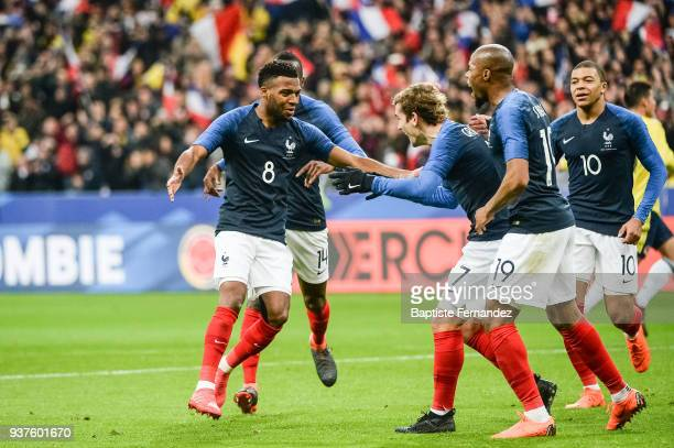 Thomas Lemar of France celebrates his goal with team mates during the International friendly match between France and Colombia on March 23 2018 in...