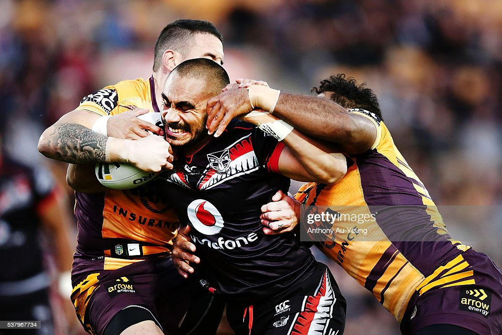 Thomas Leuluai of the Warriors on the charge during the round 13 NRL match between the New Zealand Warriors and the Brisbane Broncos at Mt Smart Stadium on June 4, 2016 in Auckland, New Zealand.