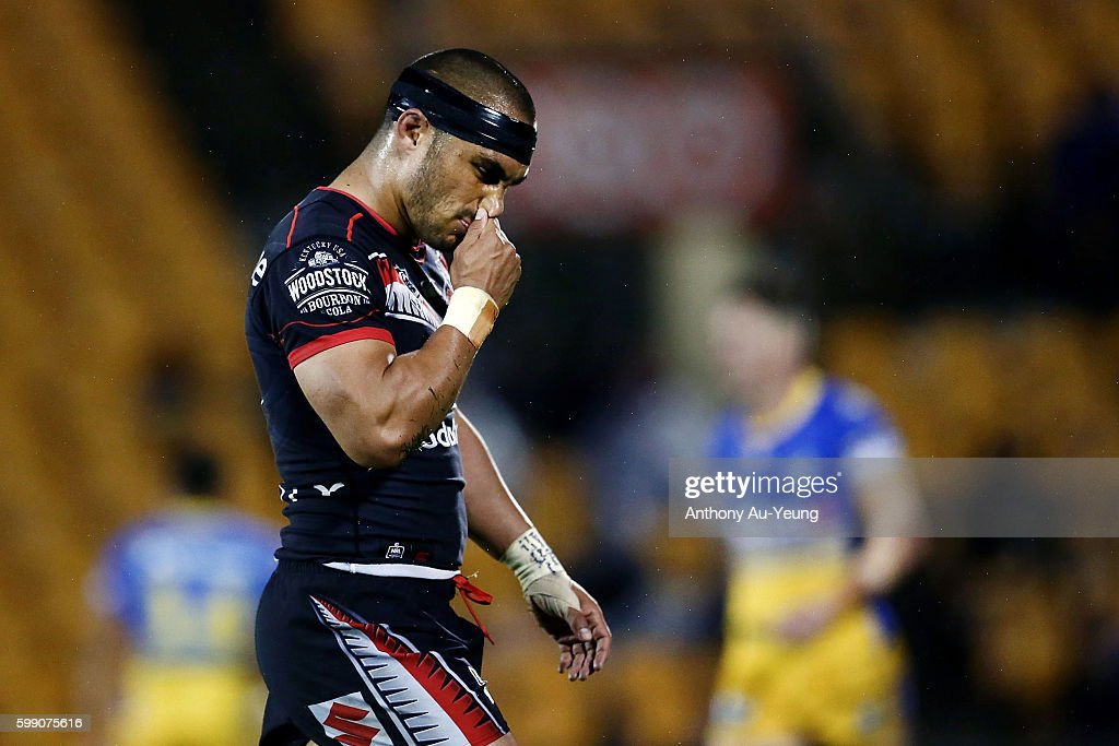 Thomas Leuluai of the Warriors reacts during the round 26 NRL match between the New Zealand Warriors and the Parramatta Eels at Mt Smart Stadium on September 4, 2016 in Auckland, New Zealand.