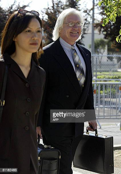 Thomas Mesereau lead defense attorney for pop singer Michael Jackson arrives at the Santa Barbara County Courthouse in Santa Maria California August...