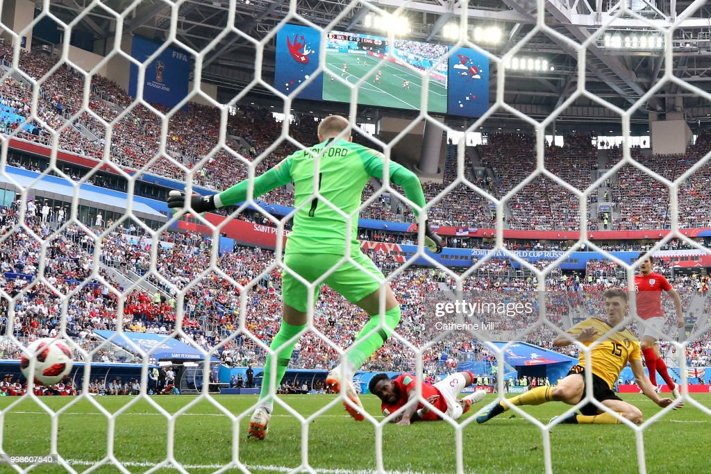 Thomas Meunier of Belgium scores his team's first goal during the 2018 FIFA World Cup Russia 3rd Place Playoff match between Belgium and England at Saint Petersburg Stadium on July 14, 2018 in Saint Petersburg, Russia.