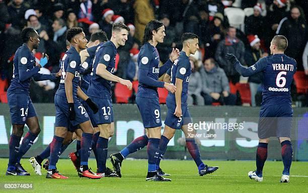 Thomas Meunier of Paris SaintGermain celebrate his goal with teammattes during the French Ligue 1 match between Paris SaintGermain and FC Lorient at...
