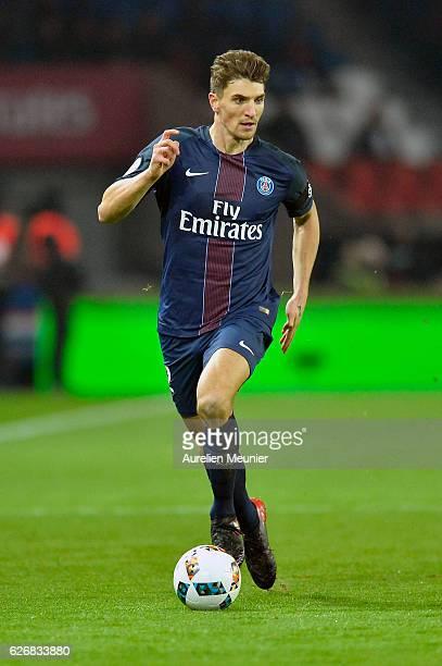 Thomas Meunier of Paris SaintGermain runs with the ball during the Ligue 1 match between Paris SaintGermain and Angers SCO at Parc des Princes on...