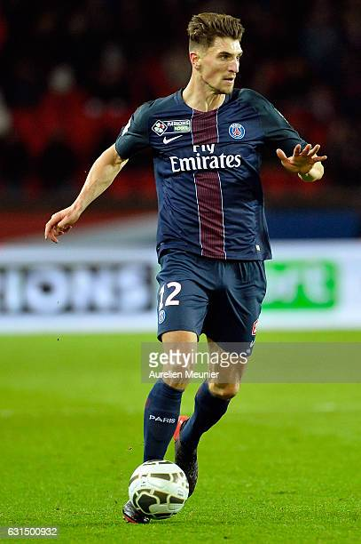 Thomas Meunier of Paris SaintGermain runs with the ball during the French League match between Paris SaintGermain and FC Metz at Parc des Princes on...