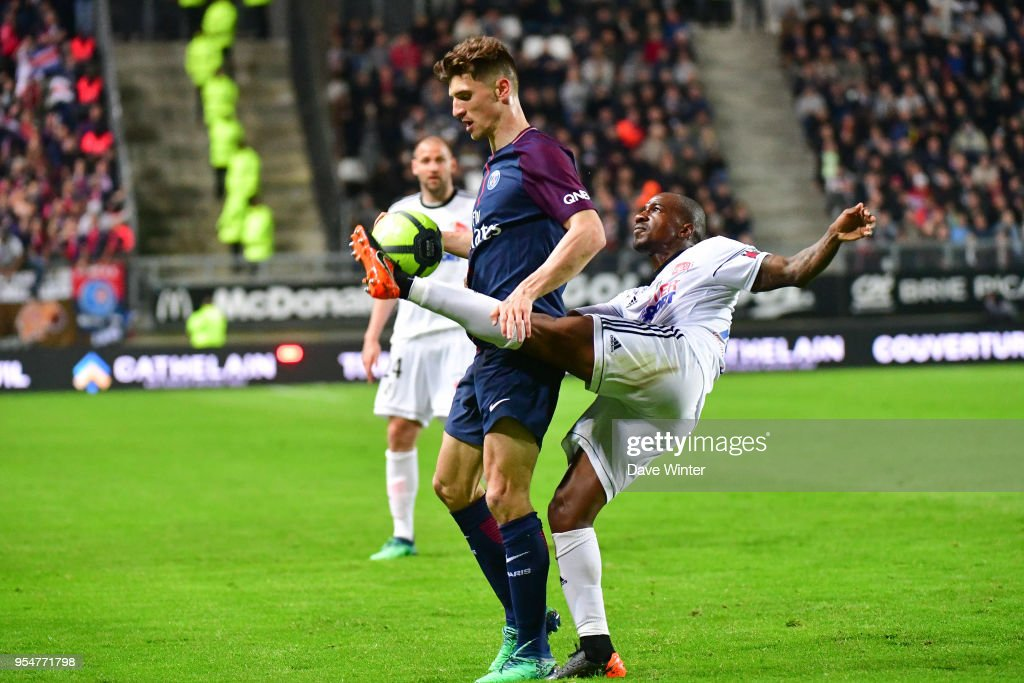 Thomas Meunier of PSG and Gael Kakuta of Amiens during the Ligue 1 match between Amiens SC and Paris Saint Germain at Stade de la Licorne on May 4, 2018 in Amiens, .