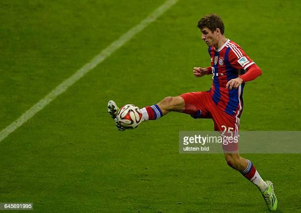 Thomas Mueller in Aktion waehrend dem Fussball Bundesliga Spiel FC Bayern Muenchen gegen SC Freiburg am 16 Spieltag der Saison 2014/2015 in der...